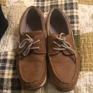 Boys size 7 Sonoma boat shoes EUC
